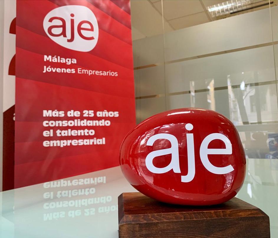 Elemento conmemorativo de los 25 años de Aje Málaga